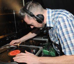 FRENCH TOURIST DJ SELECTOR